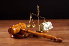 Mazo y balance del juez Imagen de archivo libre de regalías
