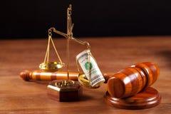 Mazo y balance del juez Fotografía de archivo libre de regalías