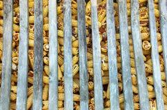 Mazorcas de maíz en el granero Fotografía de archivo libre de regalías