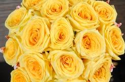Mazzi delle rose gialle Immagine Stock