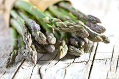 Mazzi di asparago fresco Fotografia Stock Libera da Diritti