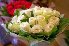 Mazzo bianco delle rose Immagini Stock Libere da Diritti