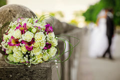 Mazzo bianco e rosa di nozze Fotografie Stock Libere da Diritti
