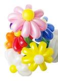 Mazzo con i fiori di pallone variopinti su fondo bianco Fotografia Stock