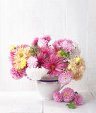 Mazzo dei crisantemi variopinti Fotografie Stock