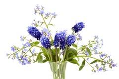 Mazzo dei fiori blu della sorgente immagini stock libere da diritti