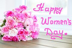 Mazzo dei fiori delle rose Concetto 8 marzo, giorno felice del ` s delle donne Immagine Stock