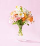 Mazzo dei fiori di Alstroemeria Fotografia Stock Libera da Diritti
