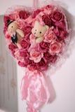 Mazzo dei fiori di nozze con due bambole dell'orso Fotografia Stock Libera da Diritti