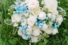 Mazzo dei fiori Il bride' mazzo di s Mazzo nuziale Floristics fotografie stock