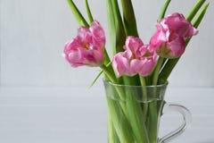 Mazzo dei tulipani rosa freschi Immagini Stock