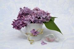 Mazzo del lillà in un vaso Immagini Stock Libere da Diritti