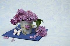 Mazzo del lillà in un vaso Fotografia Stock Libera da Diritti