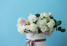 Mazzo delizioso dei colori bianchi e rosa immagini stock libere da diritti