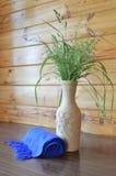 Mazzo delle erbe in un vaso fotografia stock libera da diritti