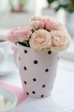 Mazzo delle rose dentellare fragili Fotografie Stock Libere da Diritti