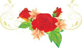 Mazzo delle rose e dei gigli con l'ornamento Fotografie Stock