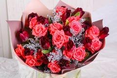 Mazzo delle rose fresche fotografie stock