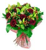 Mazzo delle rose in pacchetto rosso Fotografie Stock