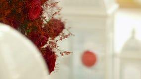 Mazzo delle rose rosse - decorazione di nozze archivi video