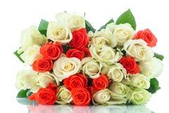 Mazzo delle rose rosse e gialle Fotografie Stock