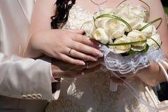 Mazzo di cerimonia nuziale/anelli di cerimonia nuziale Fotografie Stock