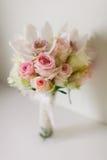 Mazzo di cerimonia nuziale con le orchidee e le rose Fotografia Stock
