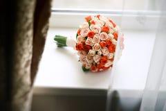 Mazzo di cerimonia nuziale delle rose fotografie stock libere da diritti