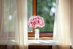 Mazzo di cerimonia nuziale delle rose dentellare Immagini Stock Libere da Diritti