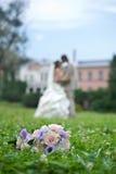 Mazzo di cerimonia nuziale sull'erba Fotografie Stock