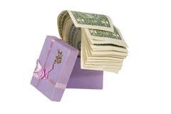 Mazzo di fatture del dollaro in un contenitore di regalo Fotografia Stock Libera da Diritti