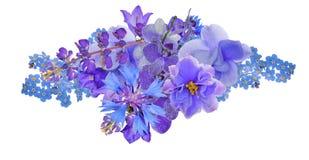 Mazzo di fiori blu isolati su bianco immagini stock