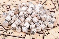 Mazzo di lotto dei barili sulle carte Immagini Stock