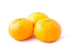 Mazzo di mandarino (mandarino) su fondo bianco Fotografia Stock Libera da Diritti