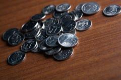Mazzo di monete delle rubli russe Fotografia Stock Libera da Diritti