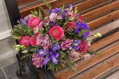 Mazzo di nozze con differenti fiori Fotografia Stock Libera da Diritti