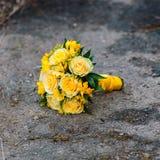 Mazzo di nozze delle rose gialle Immagini Stock Libere da Diritti