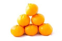 Mazzo di torre del mandarino (mandarino) su fondo bianco Fotografia Stock Libera da Diritti