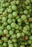 Mazzo di uva birmana al mercato nel delta del Mekong Fotografie Stock Libere da Diritti