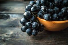 Mazzo di uva nera Immagine Stock