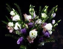 Mazzo elegante dei fiori Fotografie Stock