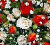 Mazzo nuziale ad una festa nuziale, mazzo di fiori. Immagini Stock