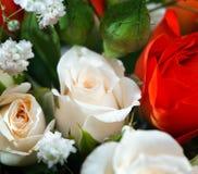 Mazzo nuziale ad una festa nuziale, mazzo di fiori. Fotografia Stock