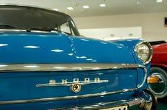 MB 1000 de SKODA del coche del vintage - visión desde el frente Imágenes de archivo libres de regalías