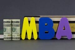 MBA graden är en utbildningsinvestering royaltyfri fotografi