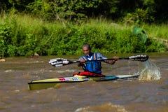 Mbandwa que rema a raça da canoa Fotos de Stock