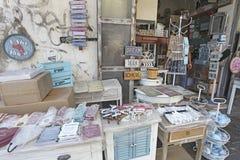 Möbeldekorshop in altem Yaffo, Israel Stockfotos