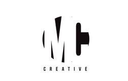 MC M C White Letter Logo Design avec le fond de cercle Photos stock