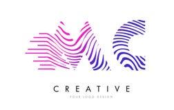 MC M C Zebra Lines Letter Logo Design avec des couleurs magenta Image stock