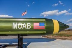 """McALESTER """"mother wszystkie bombs† MOAB, także nazwany Masywnego Artyleria Lotniczy wybuch OKLAHOMA STANY ZJEDNOCZONE, PAŹDZ zdjęcia stock"""